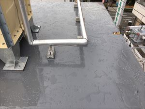 複雑な凹凸のある屋上の塗膜防水