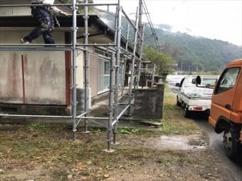 宍粟市の屋根改修現場の足場施工