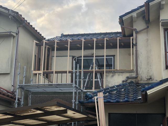 加古川市野口町のベランダ下地の施工中の写真
