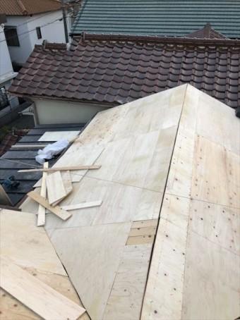 加古川市の葺き替え工事の構造用合板の野地板