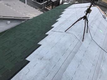 アスファルトシングルに葺き替え中の屋根