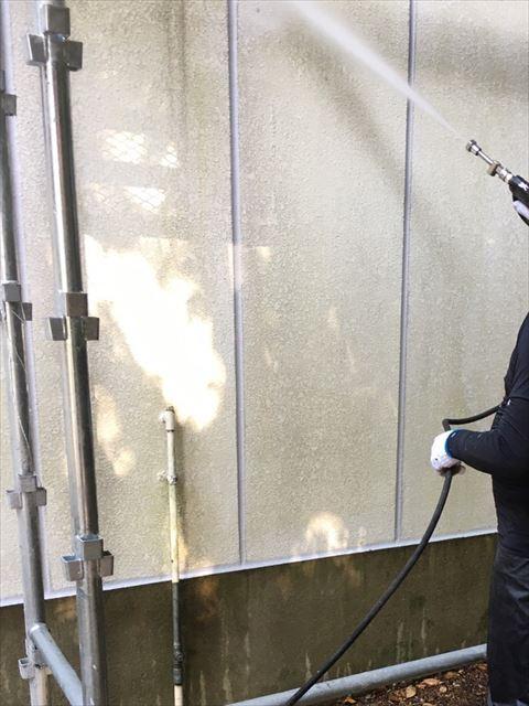 三木市の外壁塗装の高圧洗浄