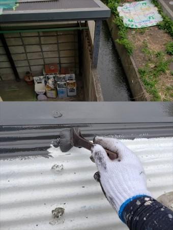 姫路市の外壁塗装工事の波板の屋根部分の塗装