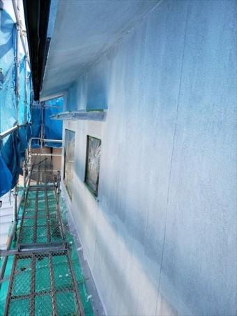 姫路市の外壁塗装工事のニッペパーフェクトフィラー塗布完了