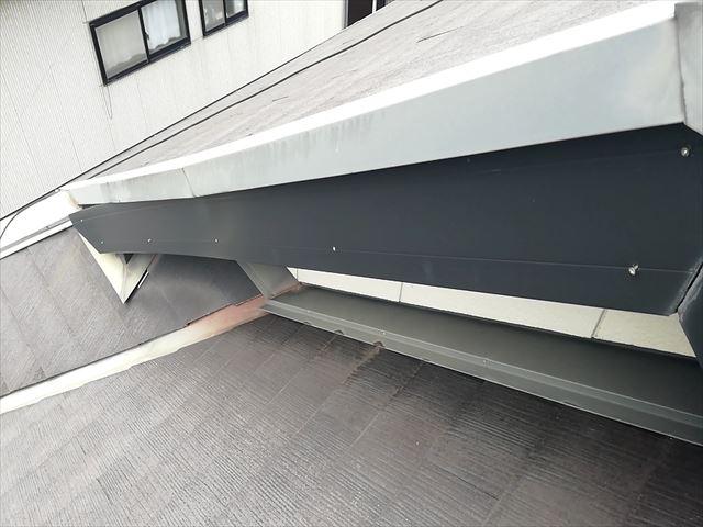加古川市で台風の強風で釘の浮いた破風板