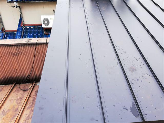 ガルバリウム鋼板立平葺き