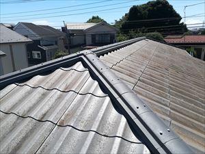塗装不要とうたわれた屋根材