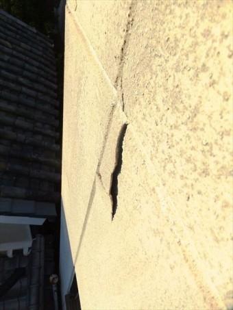 たつの市の傷んだ外壁
