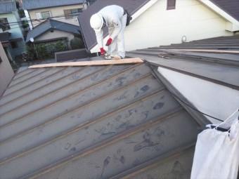 高砂市の台風被害の屋根の板金下地の補修