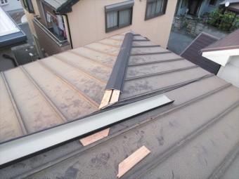 高砂市の台風被害の屋根の板金の施工中の写真