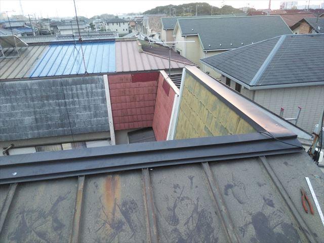 高砂市の台風被害の屋根の笠木の施工完了