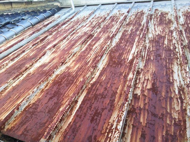 姫路市の雨漏りしているトタン屋根