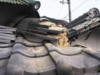神崎郡神河町の隅棟の1部解体中の写真