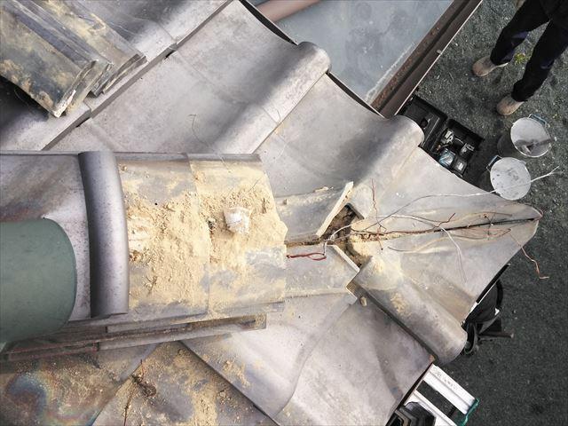 神崎郡神河町の隅棟の1部解体写真