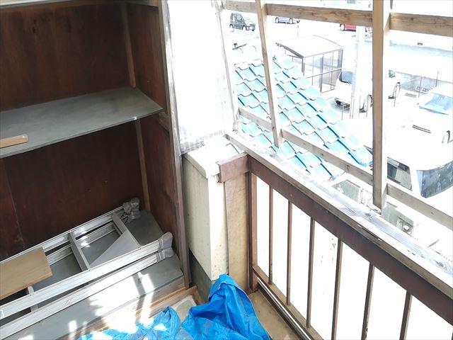 加古川市の傷んだベランダ内部の写真