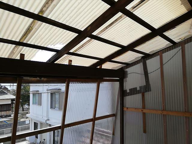 加古川市の雨漏りしているベランダの内部の写真