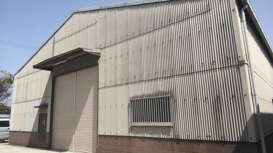 姫路市のスレート葺き倉庫の外観
