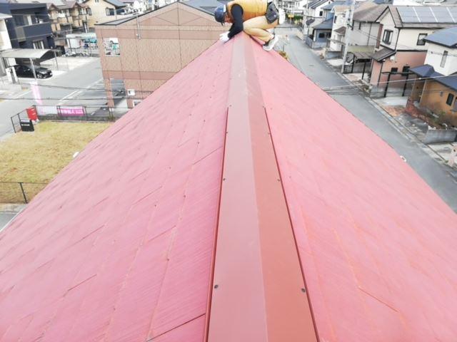 火災保険を適用し修理を行った台風によって破損した棟板金