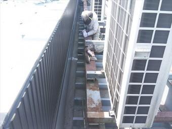 姫路市の店舗の折板屋根の雨漏り対策