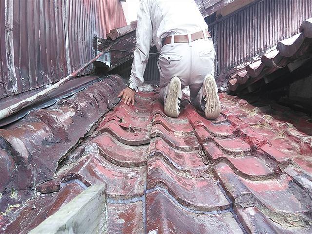加古川市の傷んだ破風板の調査