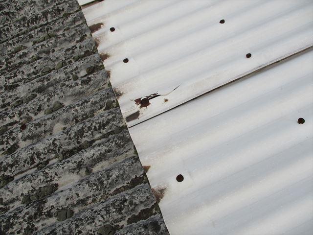 加西市のスレート屋根の固定金具のさび