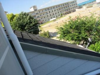 明石市の急勾配なカラーベストの屋根