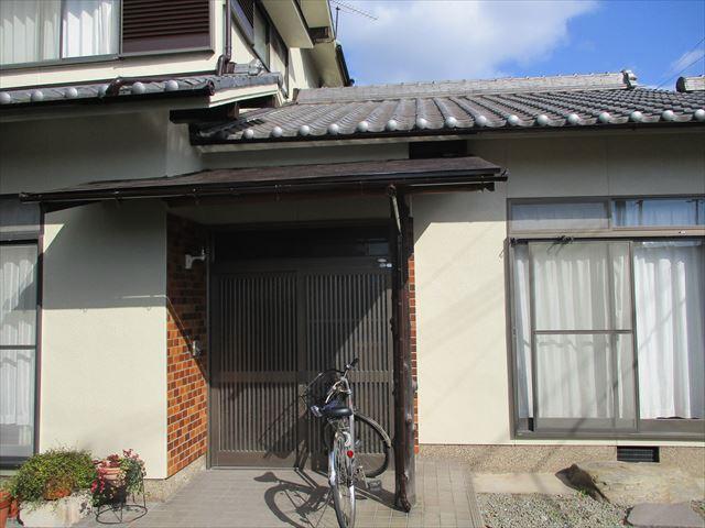 姫路市飾磨区の外壁塗装後の玄関周辺