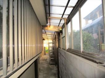 姫路市外壁塗装で倉庫の波板撤去前