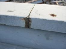 姫路市店舗折板屋根の笠木のコーキング切れ