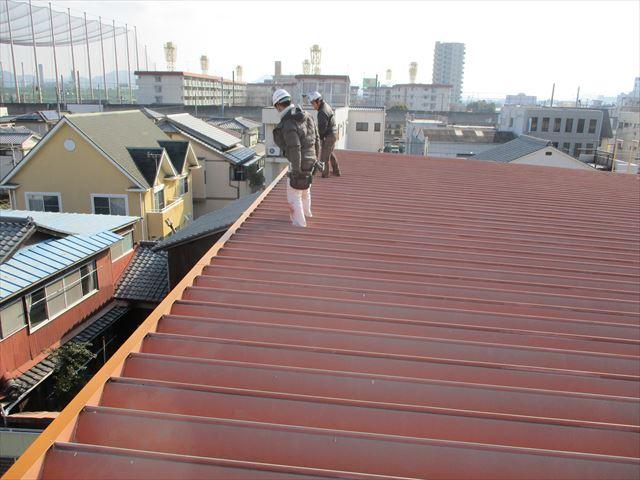 姫路市の棟板金復旧工事の職人