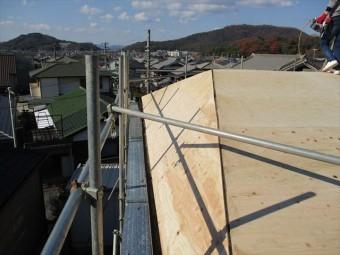 姫路市の屋根葺き替え下地増し張り作業
