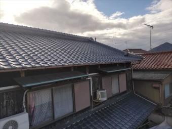 加古川市での無料診断時の瓦屋根の写真