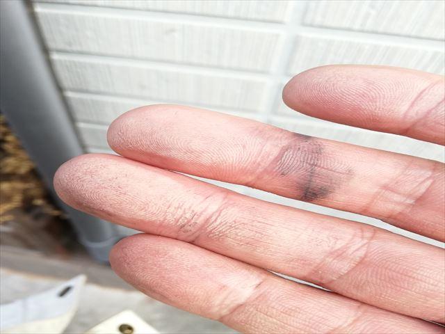外壁の紫外線による劣化で起こるチョーキング現象