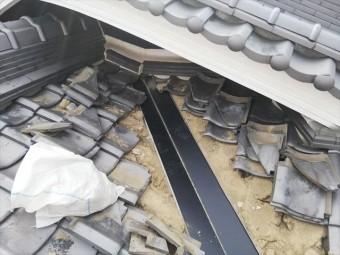 加古川市のガルバリウム製谷板金の施工