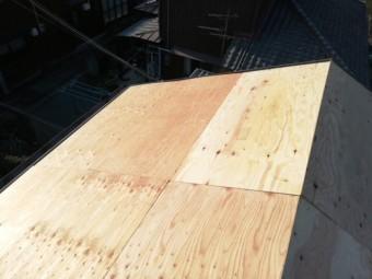 姫路市の瓦屋根葺き替え工事の野地板増し張り