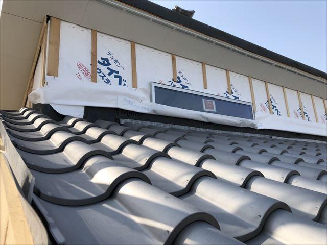 葺いたばかりの瓦屋根