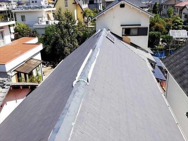 台風被害 棟板金破損 応急処置