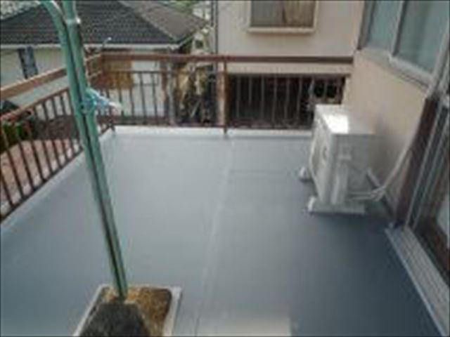 姫路市の塩ビシート防水機械固定工法完工写真